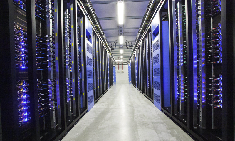 This picture taken on June 12, 2013 shows the inside view of the server hall of Facebook in the city of Lulea, some 900 km north of Stockholm, Sweden. Social network Facebook Wednesday opened its first data centre outside the United States, in Luleaa, a coastal Swedish town near the Arctic Circle. AFP PHOTO / Susanne Lindholm /SCANPIX SWEDEN /SWEDEN OUT